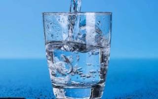 Сколько нужно пить воды в день спортсменам