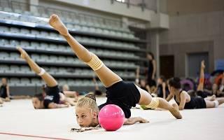 Упражнения на растяжку в художественной гимнастике, лучшие комплексы упражнений на гибкость и растяжку от гимнасток Утяшевой, Кабаевой, Луценко и Барсуковой