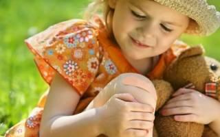 У ребенка болят колени что это и к какому врачу обратиться