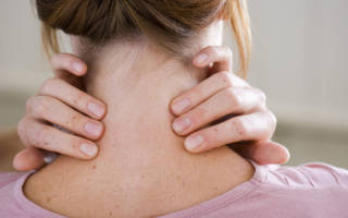 Какие упражнения помогают от боли и хруста в шее