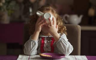 Со скольки лет можно пить кофе ребенку и в каких количествах без вреда для организма: свойства кофе, советы