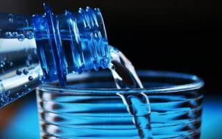 Зачем при запорах пить воду
