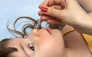 Как закапывать капли в нос при насморке и простуде