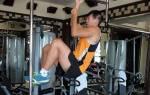 Как научиться подтягиваться на одной руке, упражнения и видео уроки для подтягивания на одной руке